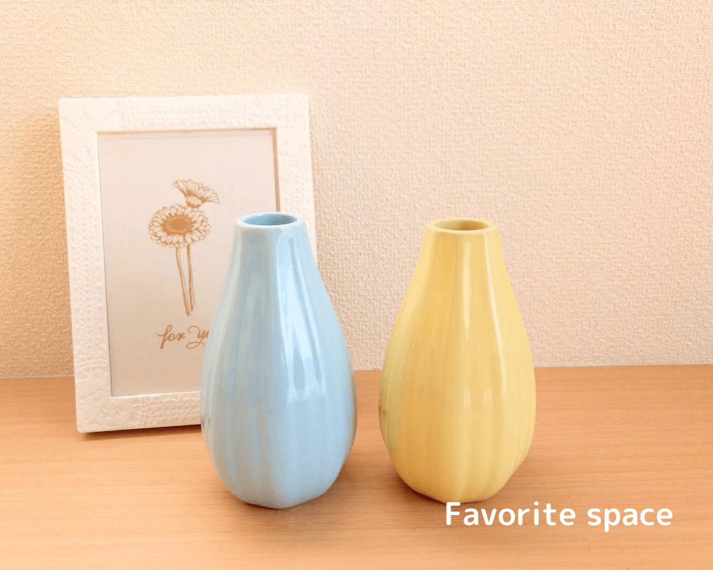 ダイソーで購入した花瓶の画像