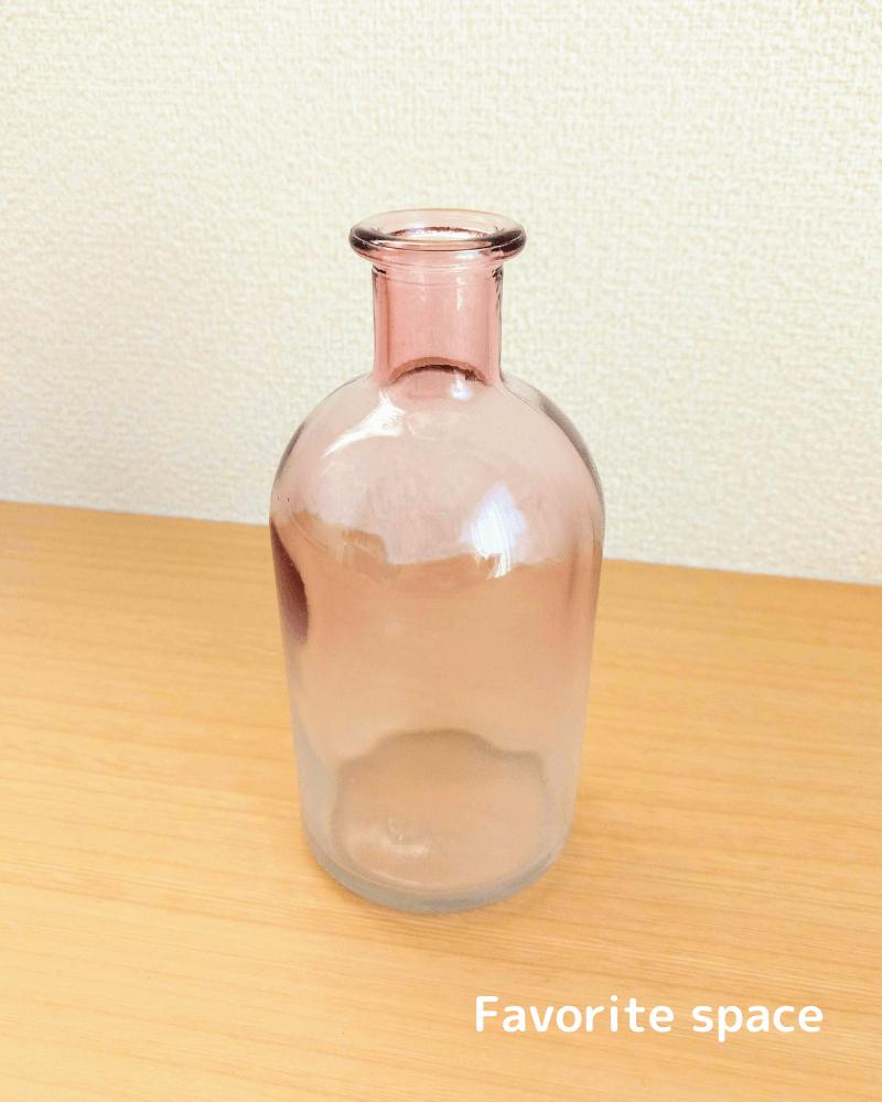 セリアのグラデーションのピンクの花瓶