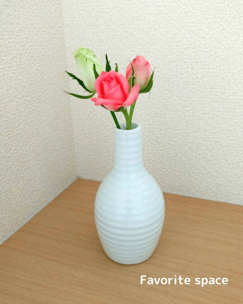 ピンクのバラを飾った画像