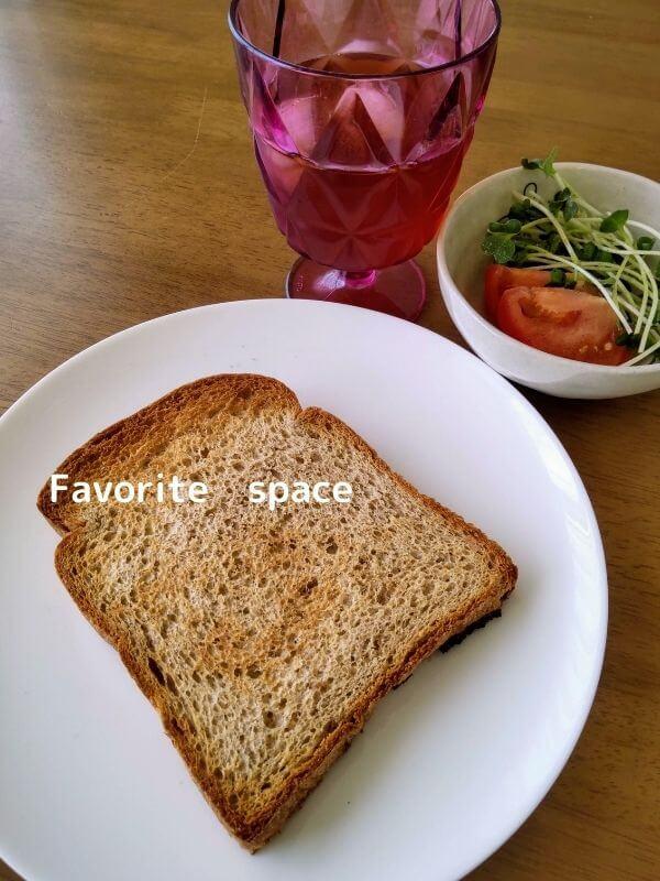 オーマイパンで購入したブランパンをトーストした画像