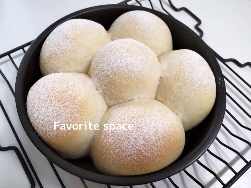 100均の型を使用して作ったちぎりパンの画像